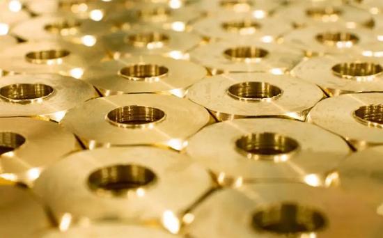 塑料金是一种金属有机纳米复合材料